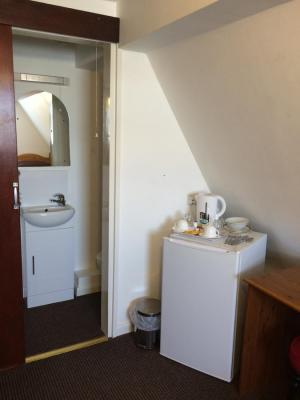 Fairways Guest House in Cambridge listing by Cambridge Accommodation Service