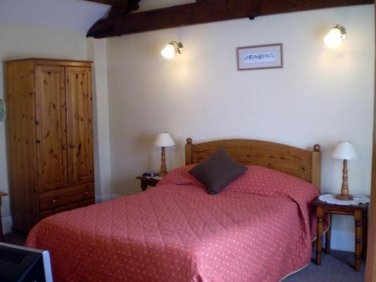 Wallis Farm House listing by Cambridge Accommodation Service